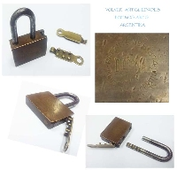 DIAGONAL simple but RARE Argentine old brass padlock 2 keys