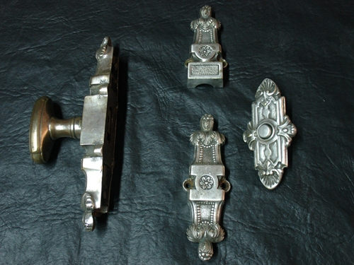 Coleccionables / Collectibles   Antique brass silver plated Espagnolette & push bell