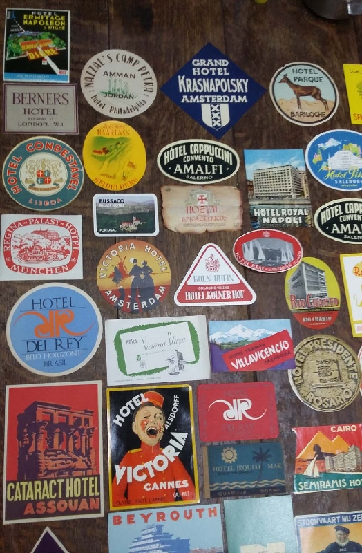 Coleccionables / Collectibles   Vintage Interesting lot of 135 hotel luggage labels different countries VENDIDO / SOLD