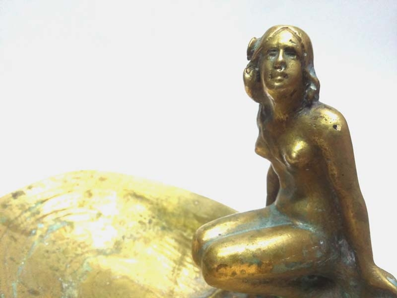 Bronce / Bronze / esculturas en general   Interesting old french bronze sensual naked woman swiming on shell jewel holder