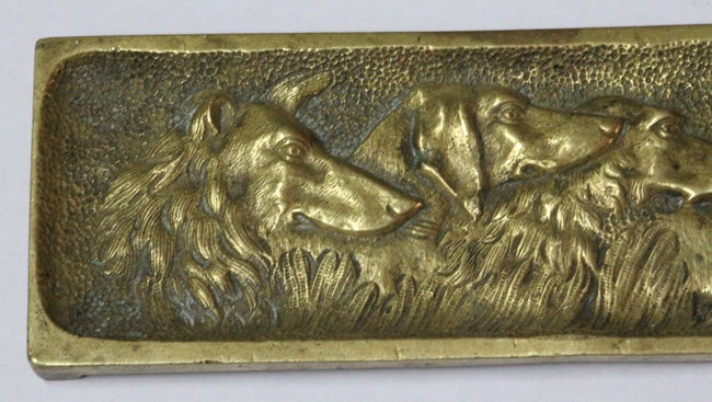 Bronce / Bronze / esculturas en general   Funny old small bronze jewel plate dish with dogs 19 cm x 6 cm
