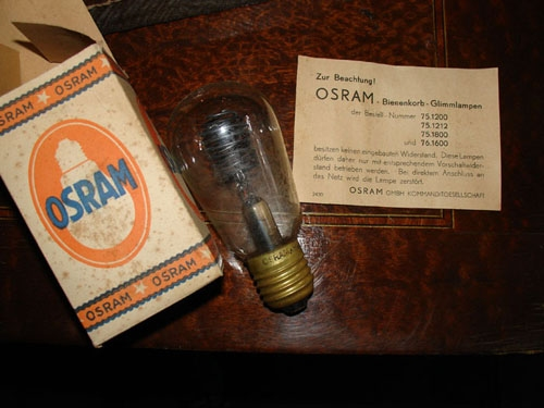 Curiosidades / Curiosities / odd   Rare old OSRAM LIGHT BULB & box working NOT 220 W