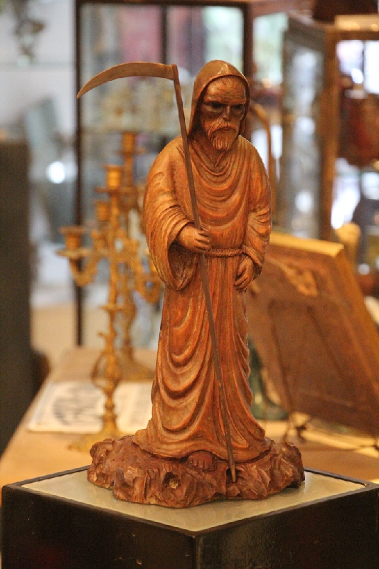 Curiosidades / Curiosities / odd   Rare antique dark terrorific monk w/ scythe hand carved figure