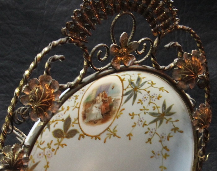 Antiguedades / Antiques   Very interesting antique French opaline plate with brass flowers Ca 1880