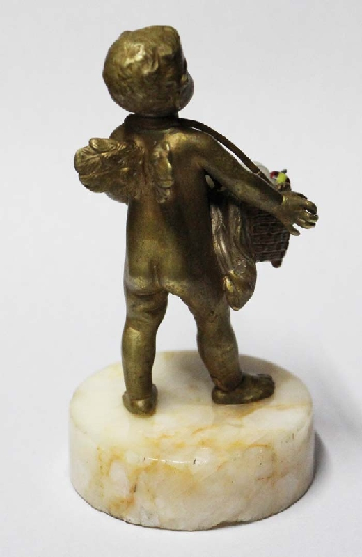 Antiguedades / Antiques   Lovely French angel with basket of flowers seller small bronze 10 cm x 5 cm