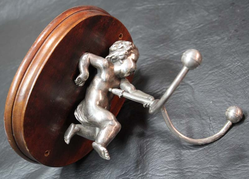 Antiguedades / Antiques   Lovely & antique bronze silver plated cloth hunger putto puttini 14 cm x 13 cm