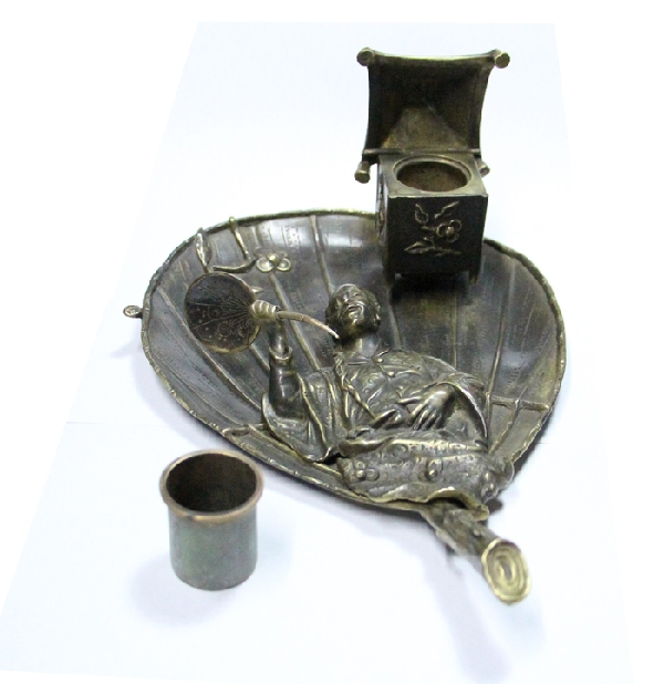 Antiguedades / Antiques   RARE interesting antique Japanese Chinese fan leaf & figural bronze inkwell VENDIDO / SOLD