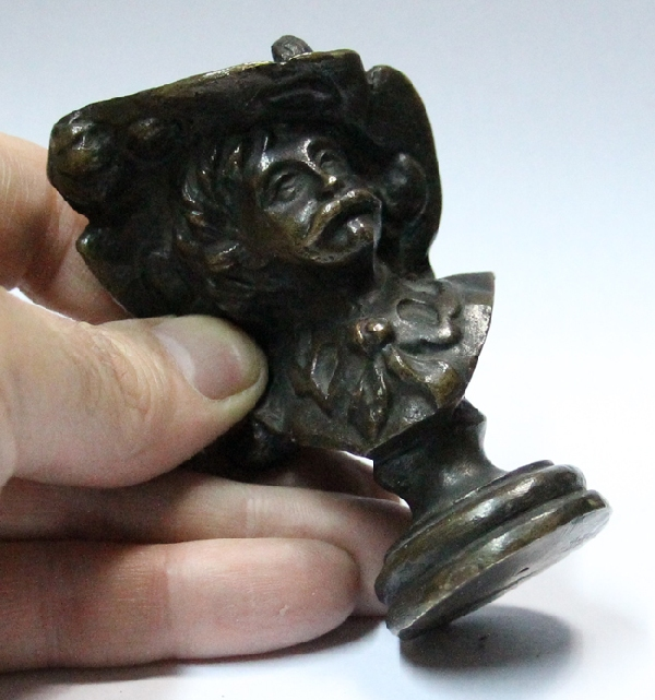 Antiguedades / Antiques   Interesting old lost wax small Musketeer D'Artagnan ? bronze figure 9 x 6 x 3 cm