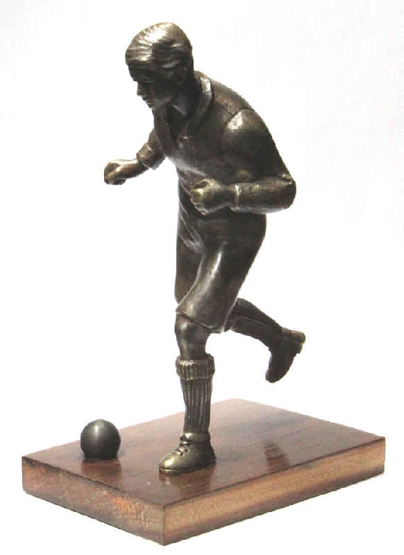 Antiguedades / Antiques   Interesting old bronze soccer player football with ball on wooden base 19 x 12 c