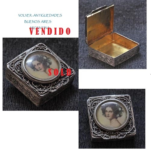 Plata / Silver   Lovely antique small silver 800 vermeil and miniature pill box