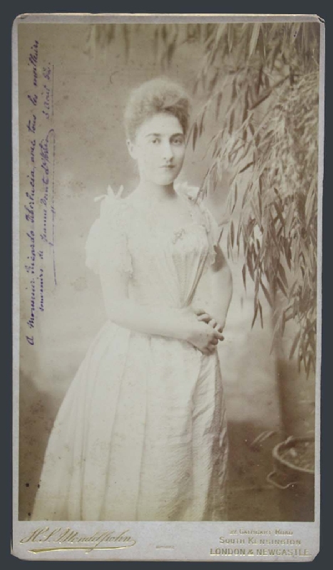 Fotos / Photos   Jeanne Douste de Fortis hand signed autograph photo Mendelssohn Royal Photographer RARE