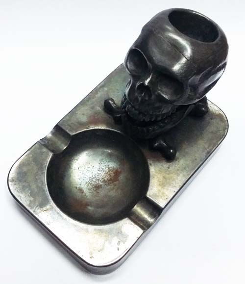 Cigarrillos y afines   RARE funny old ashtray skull moving jaw SEE MOVIE !